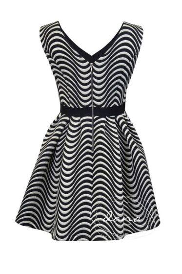 sukienka-Iga -plecy -fale